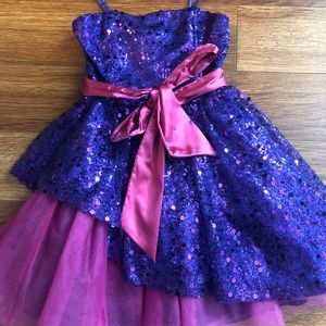 UN DEUX TROIS sequins tulle party dress.